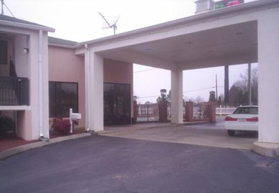 Motel 6 Concord - Kannapolis: Exterior