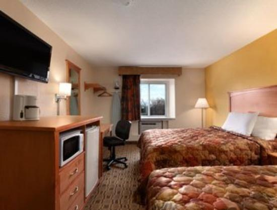 Americas Best Value Inn : Standard Two Queen Bedroom