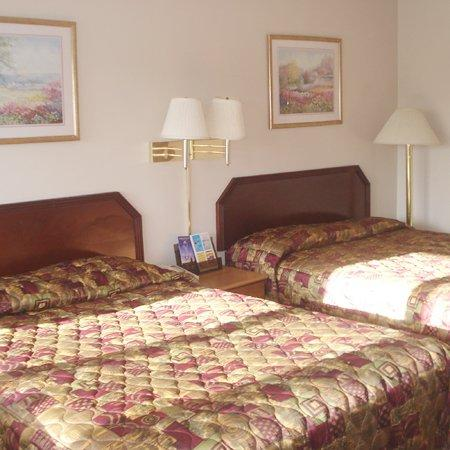 Budget Inn & Suites at the Falls - Niagara: Budget Inn At The Falls Niagara Falls NYBed