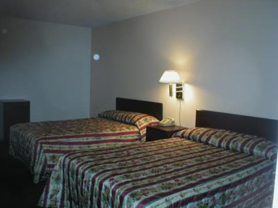 King's Inn Motel: Room