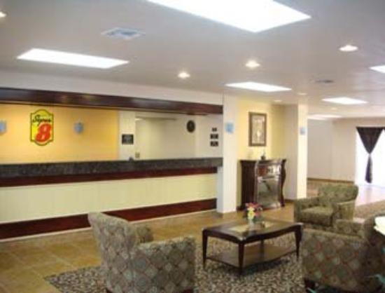 Super 8 Plainview : Lobby