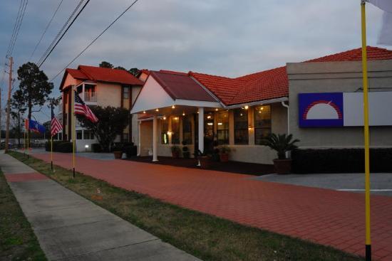 Photo of Queen Mary Inn Pensacola