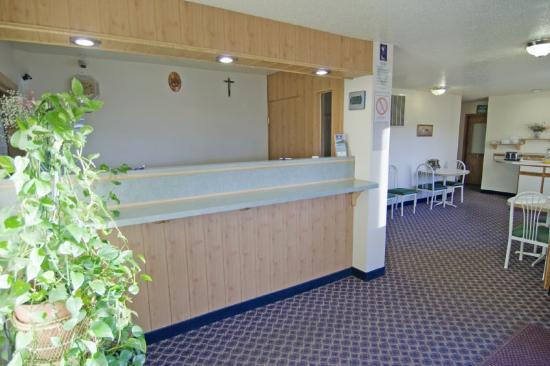 Campus Inn Motel : Lobby