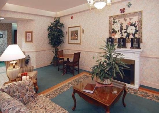 Comfort Inn Grundy: Lobby
