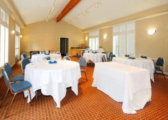 Comfort Inn Half Moon Bay: CAEMeetingrm