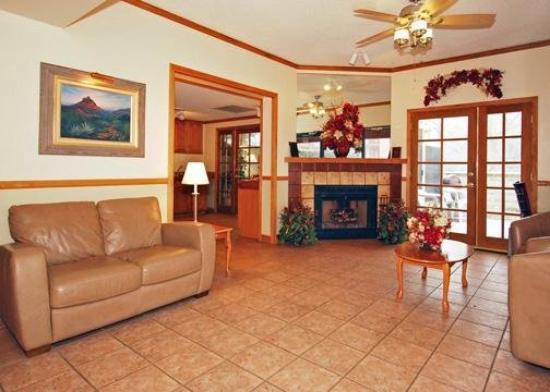 Comfort Inn at Ponderosa Pines: Lobby