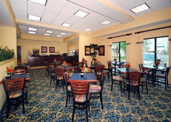 Comfort Inn & Suites Airport: Restaurant