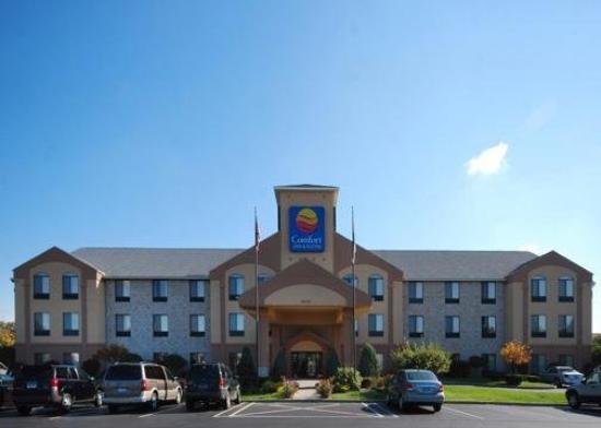 Photo of Comfort Inn & Suites Mishawaka
