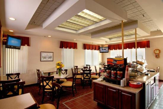 Comfort Inn Blacksburg : Breakfast -Room -