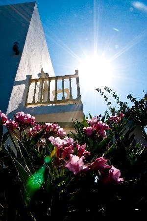 Akrotiri Hotel: sun shining..