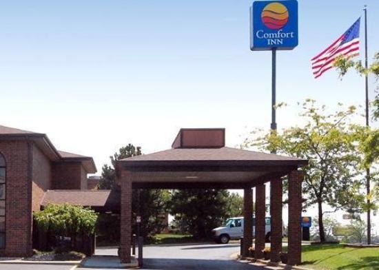 Quality Inn & Suites Airport: MIAExterior