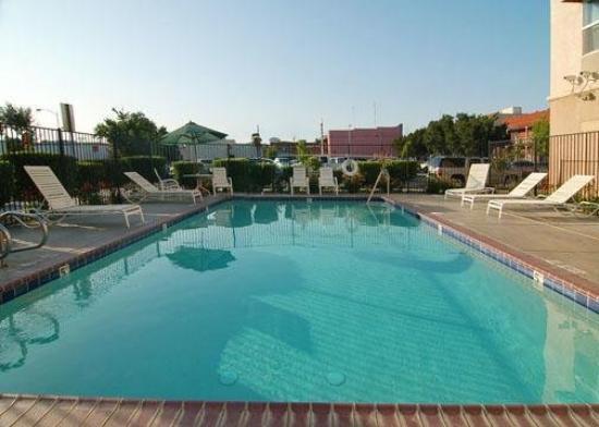 Comfort Inn Hanford: Pool