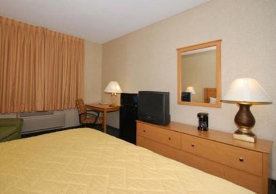 Comfort Inn: Guest Room (OpenTravel Alliance - Guest room)