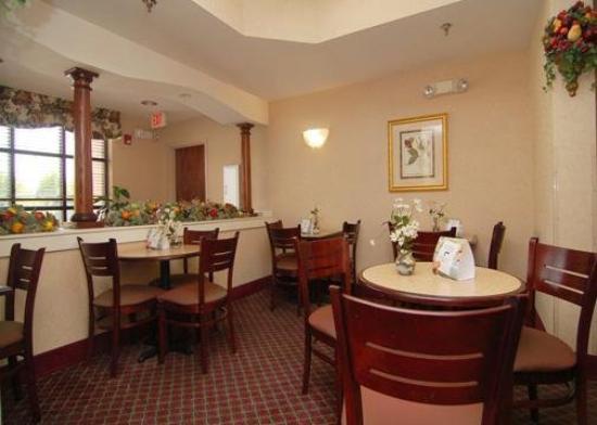 Comfort Inn - Montgomery / Carmichael Rd.: Restaurant