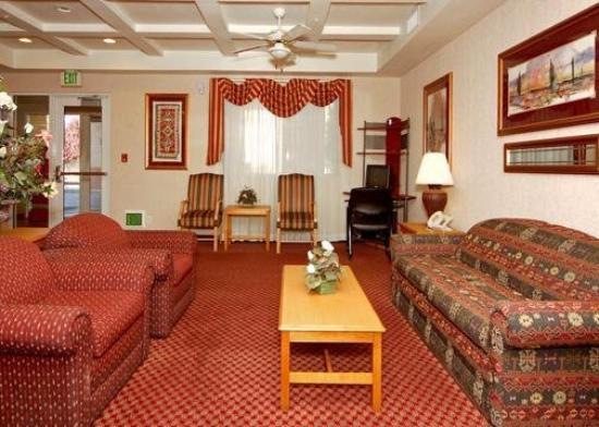 Comfort Inn & Suites Orem: Lobby