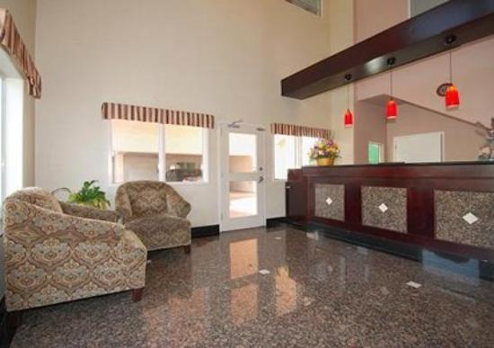 Quality Inn Near City of Hope: Lobby -OpenTravel Alliance - Lobby View-