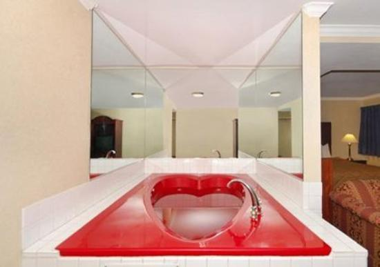 Quality Inn Near City of Hope : In Room Amenities (OpenTravel Alliance - Guest roo