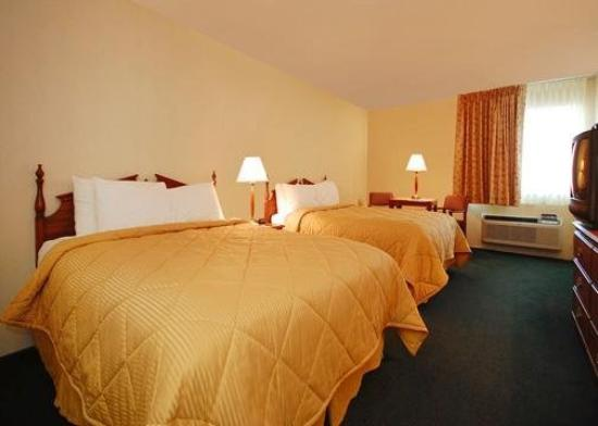 Econo Lodge West: Guest Room