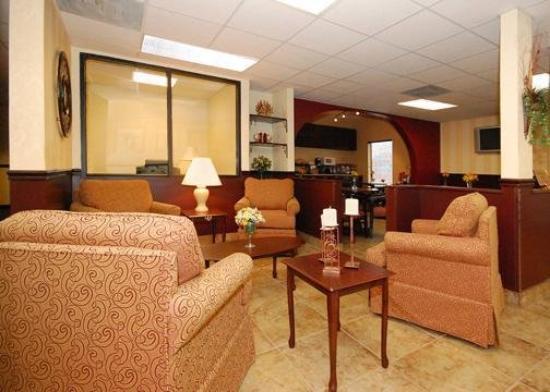Comfort Inn South: Lobby