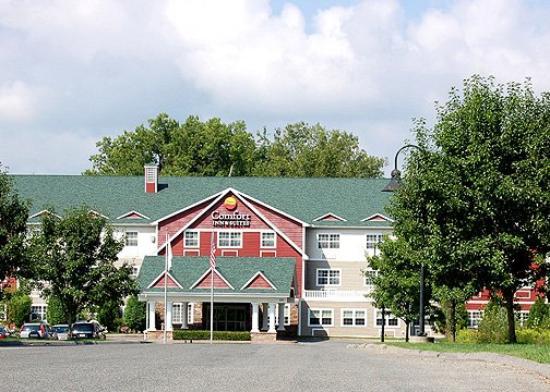 Fairfield Inn & Suites Lenox Great Barrington/Berkshires : Exterior