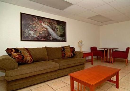 Econo Lodge Airport at Raymond James Stadium: FLG