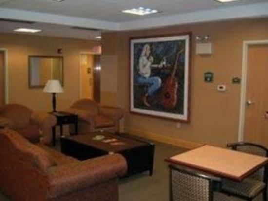 Comfort Inn Kalamazoo: Lobby