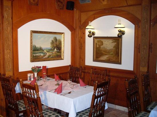 Nimrod Restaurant: a table on the first floor