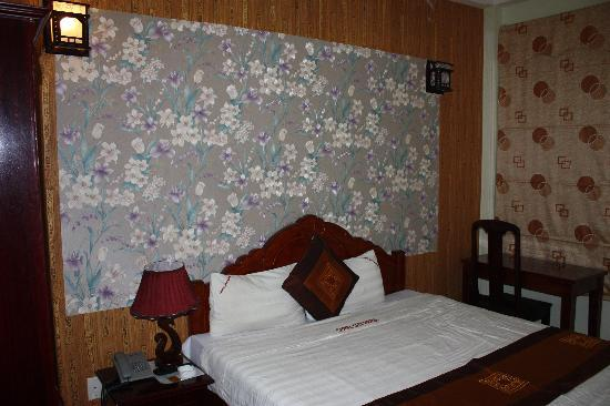 Camel City Hotel: Double room.
