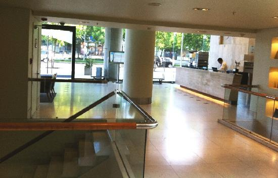 Holiday Inn Express Santiago Las Condes: Lobby do Hotel