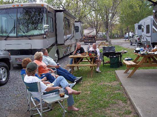 Two Rivers Campground: hanging out with friends