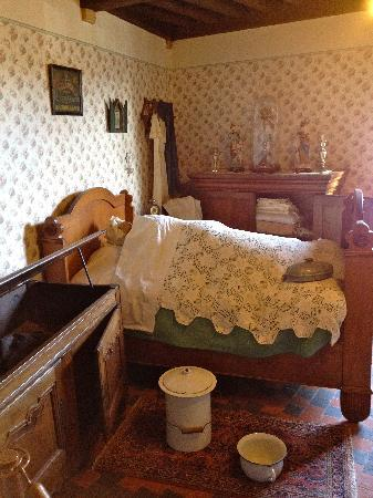 Folklore Museum: the bedroom2