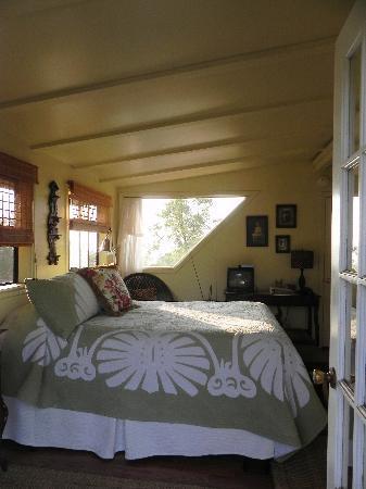 Kula View: interior