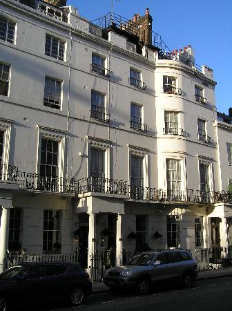 Parkwood at Marble Arch: View of Parkwood from the street.