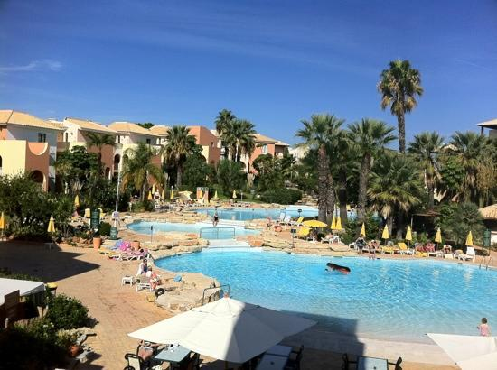 Four Seasons Vilamoura: the outdoor pools