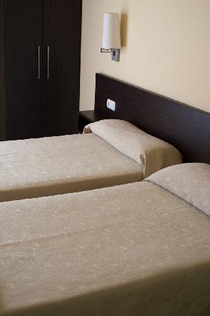 Hostal Sant Sadurni D'anoia: bed