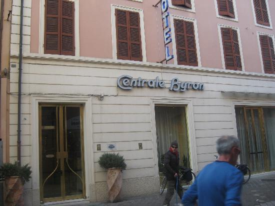Hotel Centrale Byron: ingresso