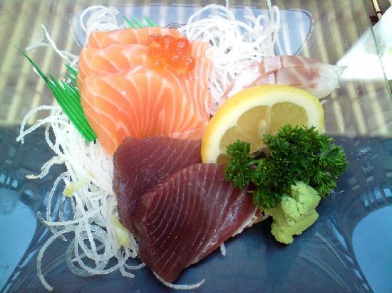 Yoji Japanese Restaurant: Sashimi misto