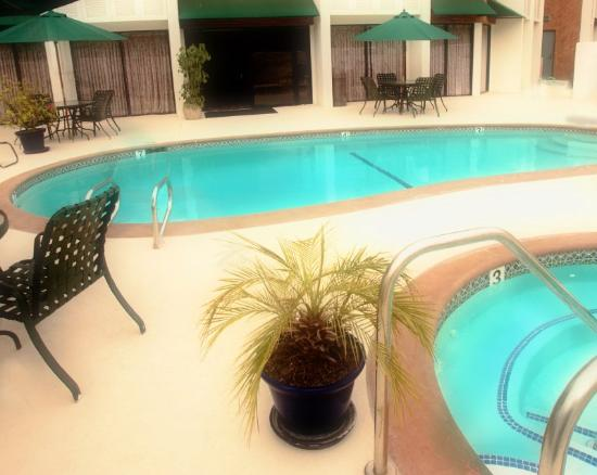 Holiday Inn Express Port Hueneme: Pool