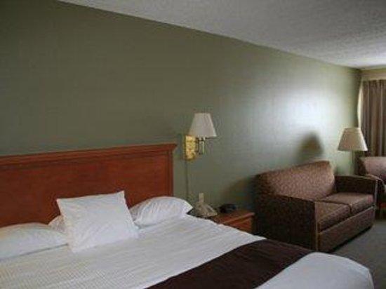 Country Inn Walker: King Suite