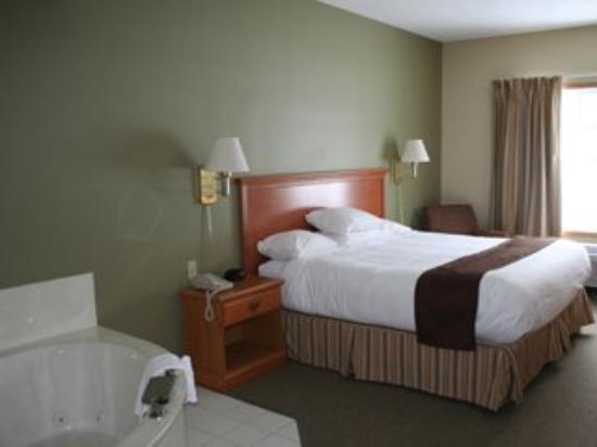 Country Inn Walker : Whirlpool Suite