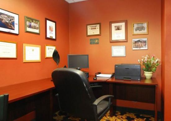 Comfort Suites Southpark: P