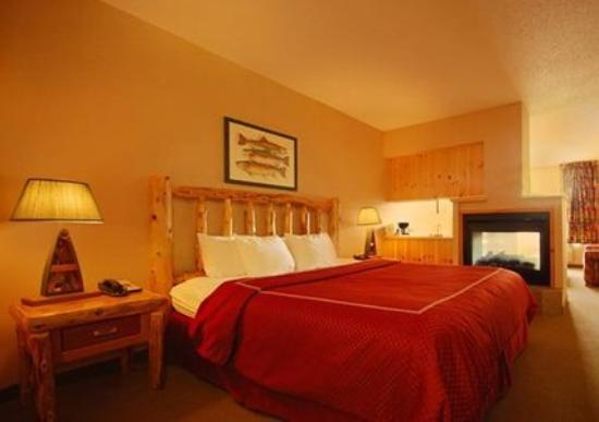 Comfort Suites Rapid River Lodge: Guest Room -OpenTravel Alliance - Guest Room-