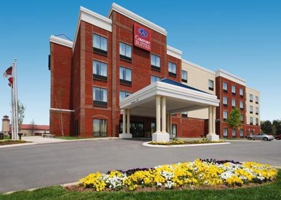 Comfort Suites Murfreesboro: Exterior