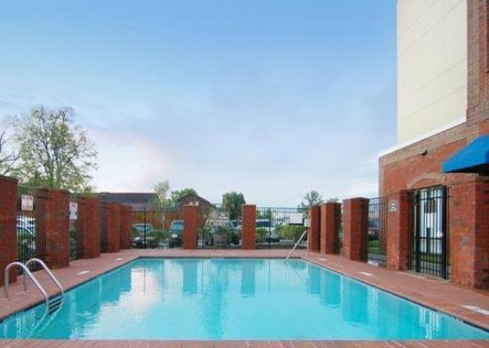 Comfort Suites Murfreesboro: Pool
