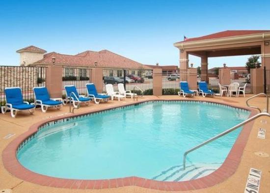 Comfort Suites Mesquite: Pool