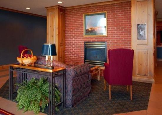 University Suites Hotel: Lobby