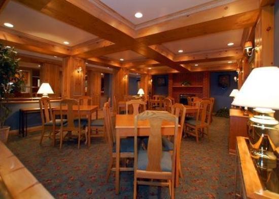 University Suites Hotel: Restaurant