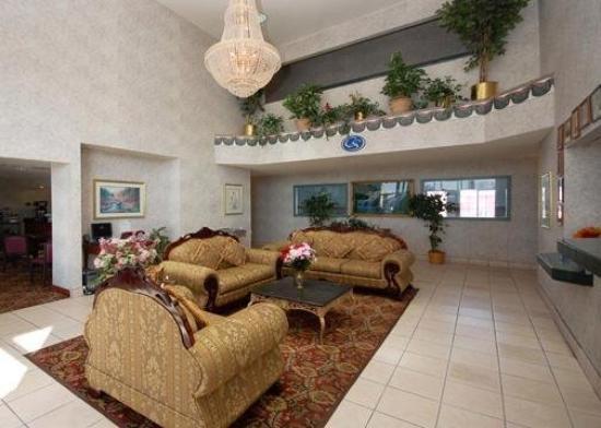 Super 8 Amarillo West : Lobby View