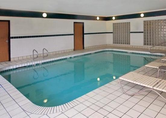 Comfort Suites Phoenix / MetroCenter: Pool