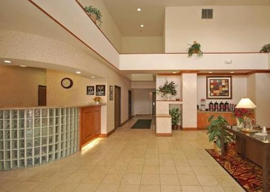 Comfort Suites Phoenix / MetroCenter: Lobby